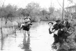 Inondations au village - © Archives Municipales